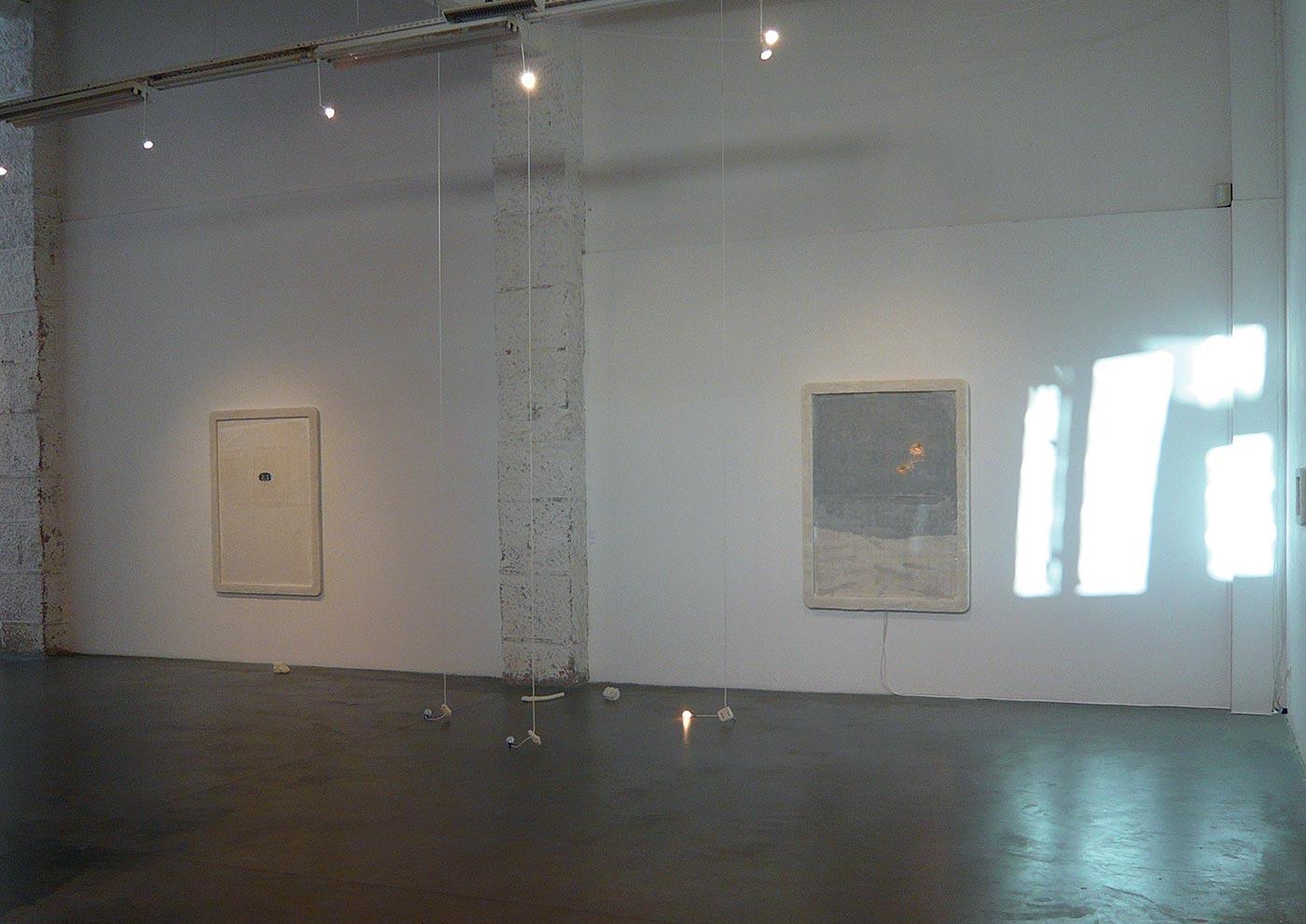 sea salt, chemical compounds, electricity. Installation view Atelier Soardi, Nizza. 2008