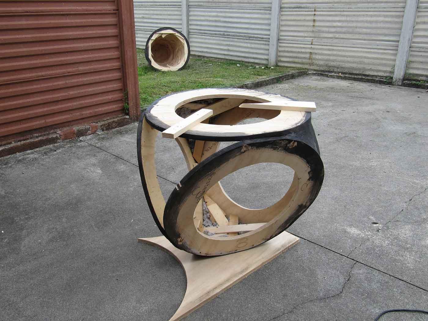 graphite on wood, cm 200 x 240 x 240